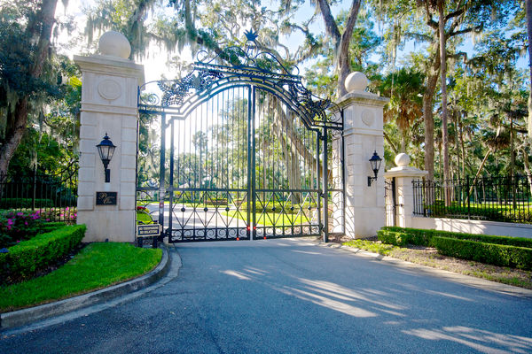Plantation Oaks Gated Community