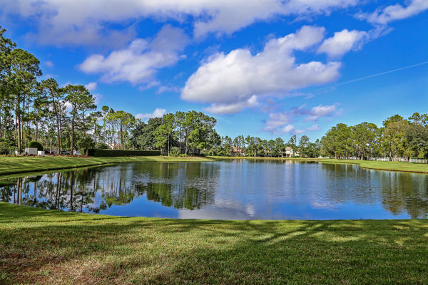 Jacksonville Golf Country Club lake